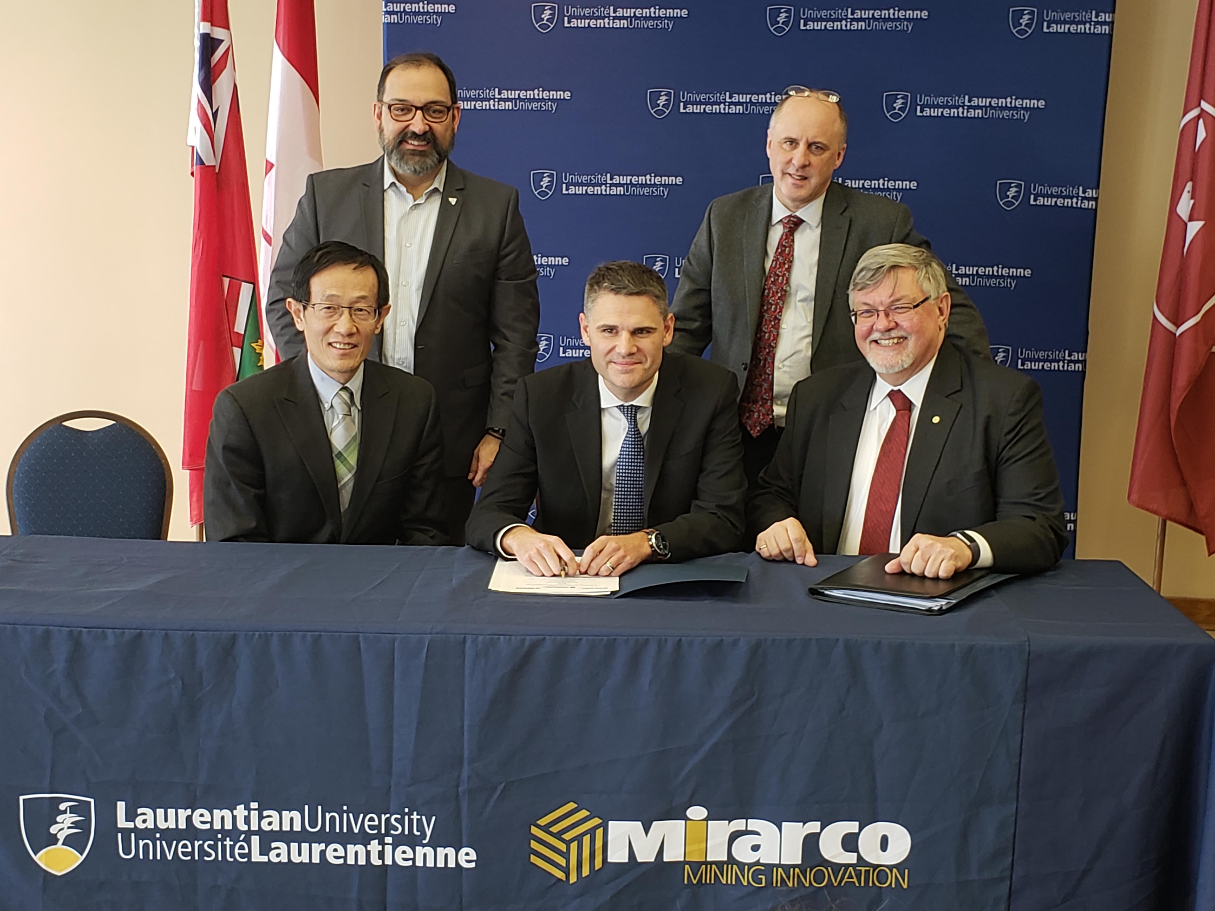 Dignitaries sign MOU at Laurentian University