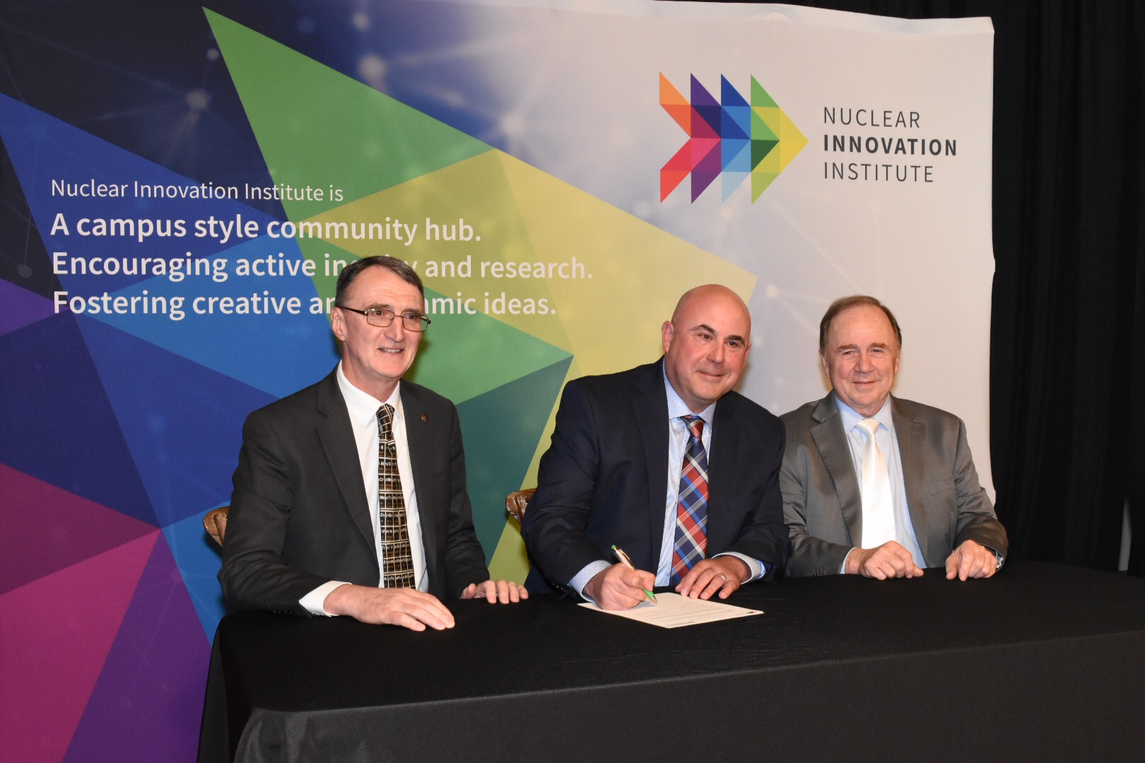 Nuclear Innovation Institute signs MOU with University of Strathclyde