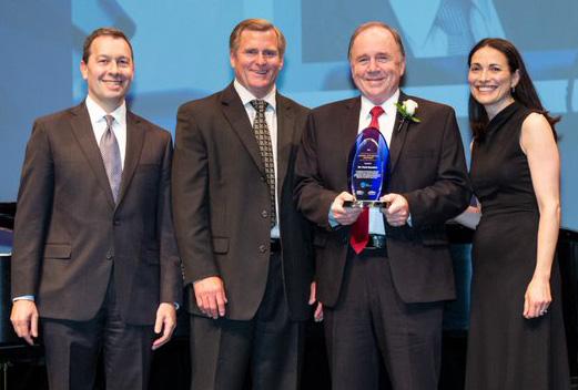 Frank Saunders receives Jenkins Award